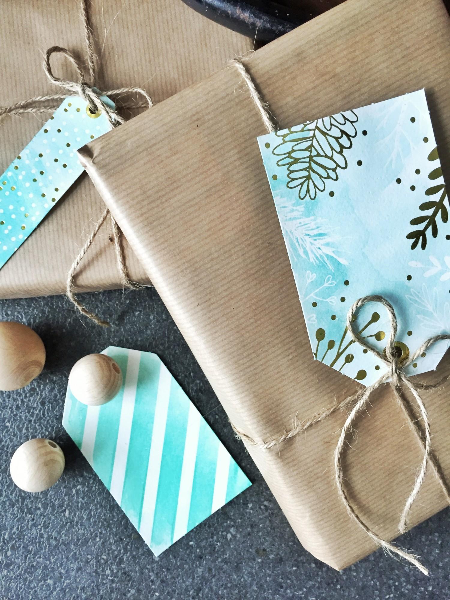 DIY til-og-fra kort med origamipapir og akvarelfarve