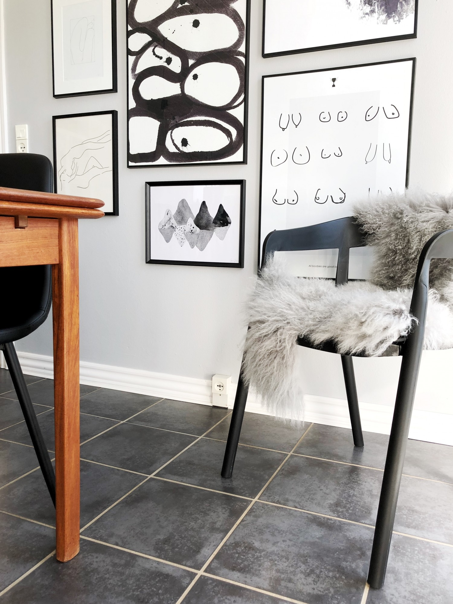 Ny farve i køkkenet og nye stole