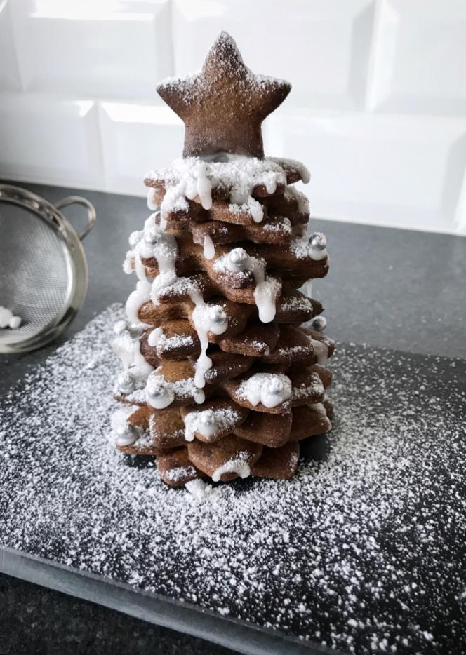 Juletræ af brunkager