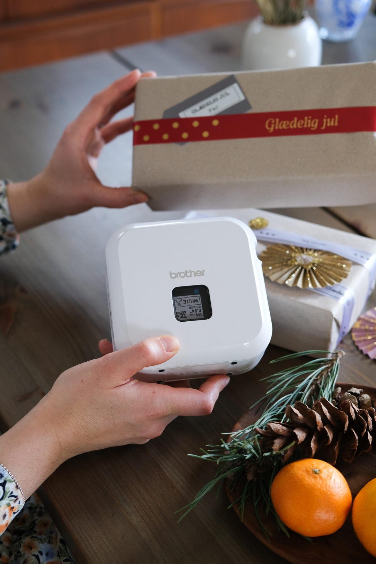 Personlige gavebånd med P-touch CUBE Plus labelprinter
