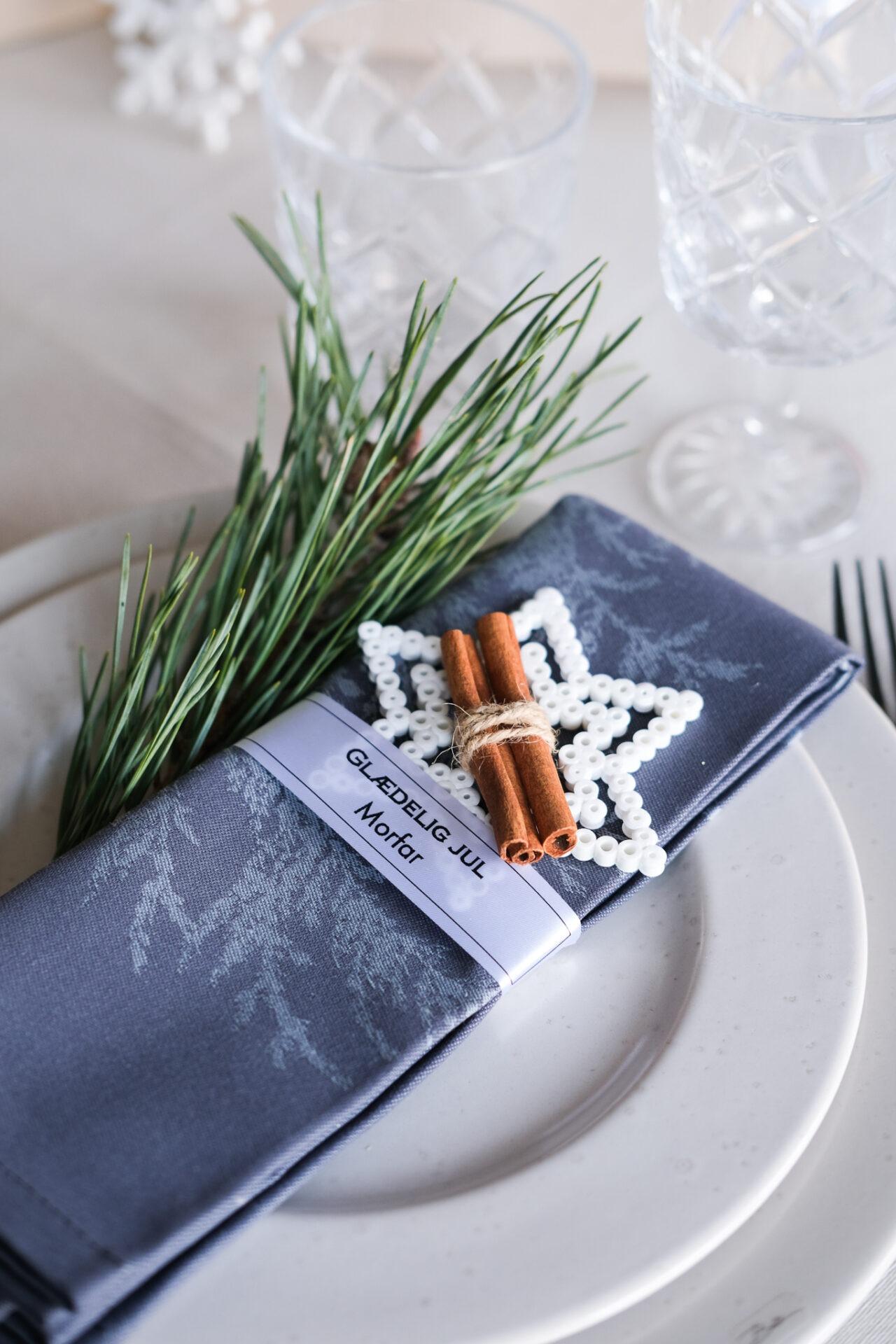 Personlige bordkortbånd på tallerken