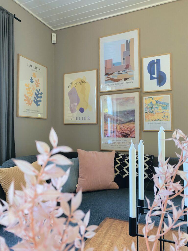 Farverige plakater